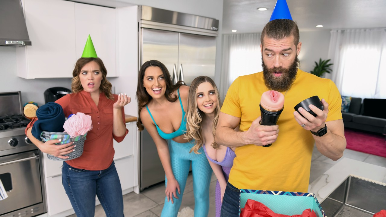brazzers Smashing My Hot Lesbian Roommates
